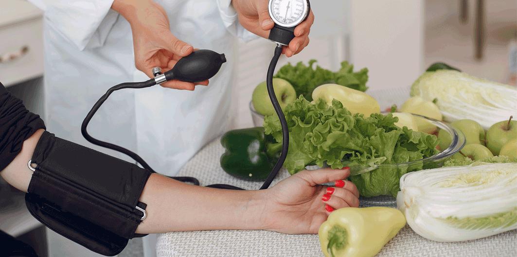 Ce se întâmplă cu presiunea arterială după ce mâncăm?