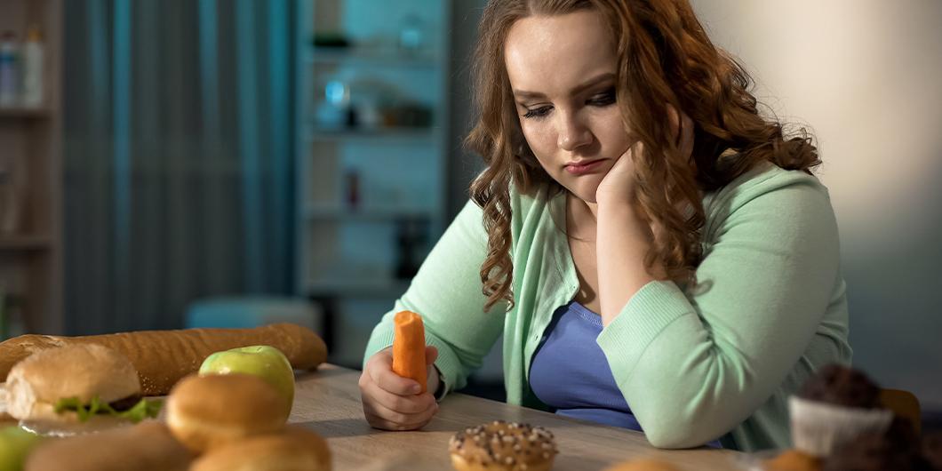 Consumul de alimente ultraprocesate e în continuă creștere în dieta copiilor și adolescenților